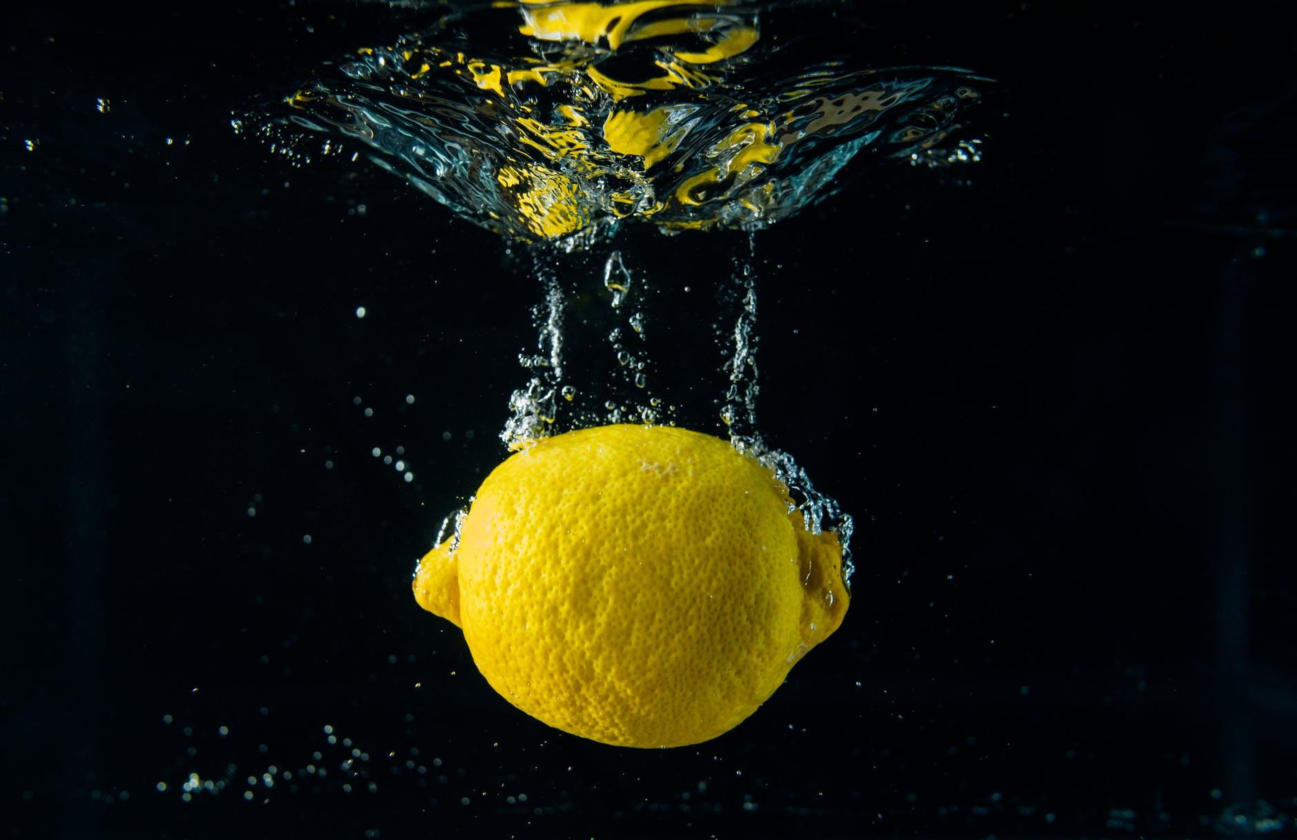 Manfaat Dari Segarnya Air Lemon