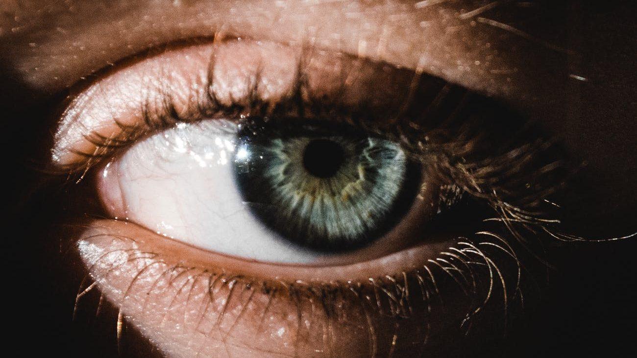 Menjaga Kondisi Mata Saat WFH