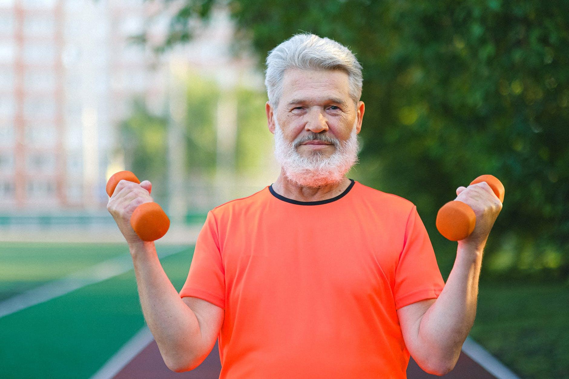 Tips Kesehatan Optimal - Angkat Sesuatu dan Bergeraklah