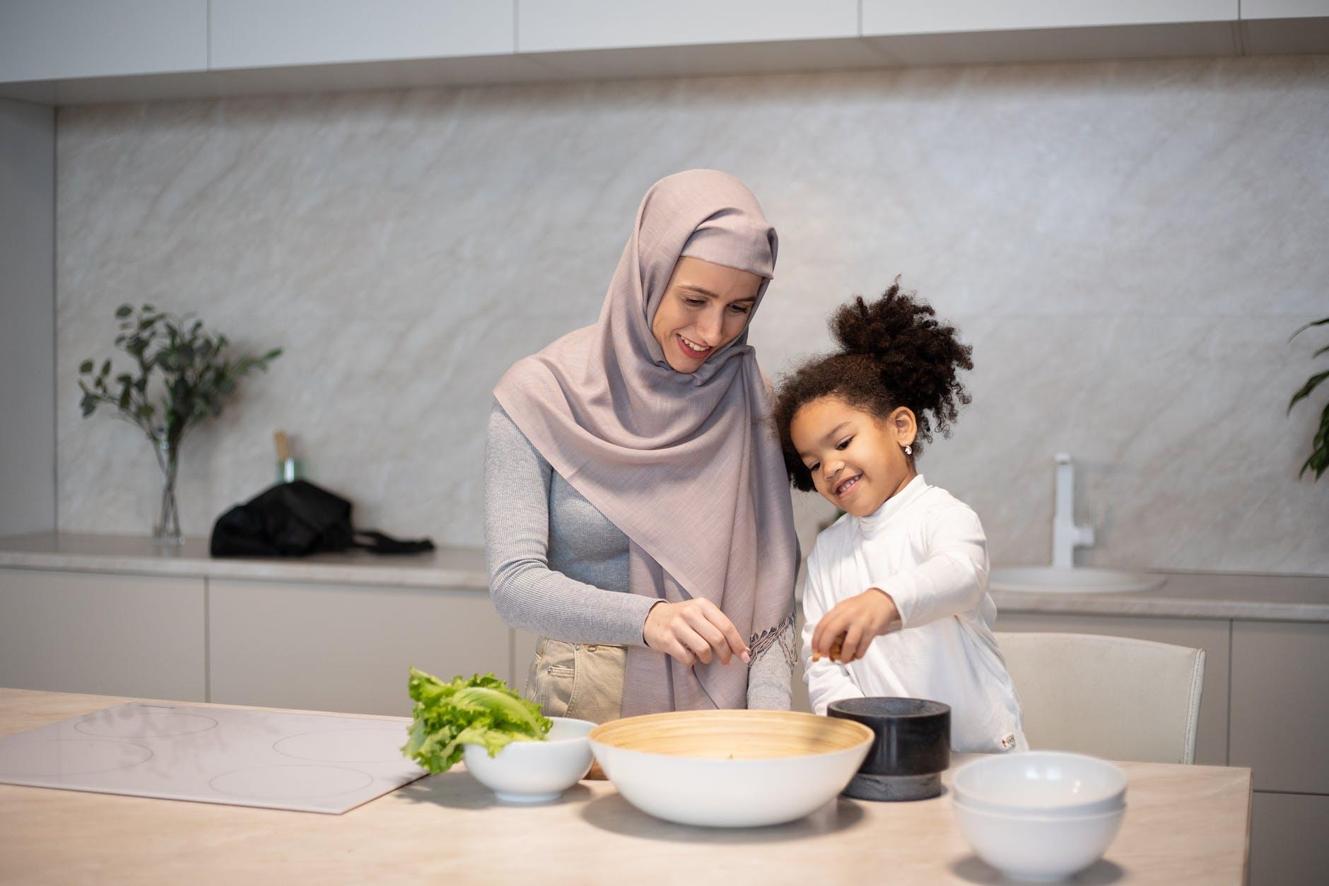 ada banyak cara menghentikan diare yang bisa Anda coba di rumah. Dengan ramuan di dapur, Anda bisa membuat obat diare dengan bahan alami. - katalogue.id