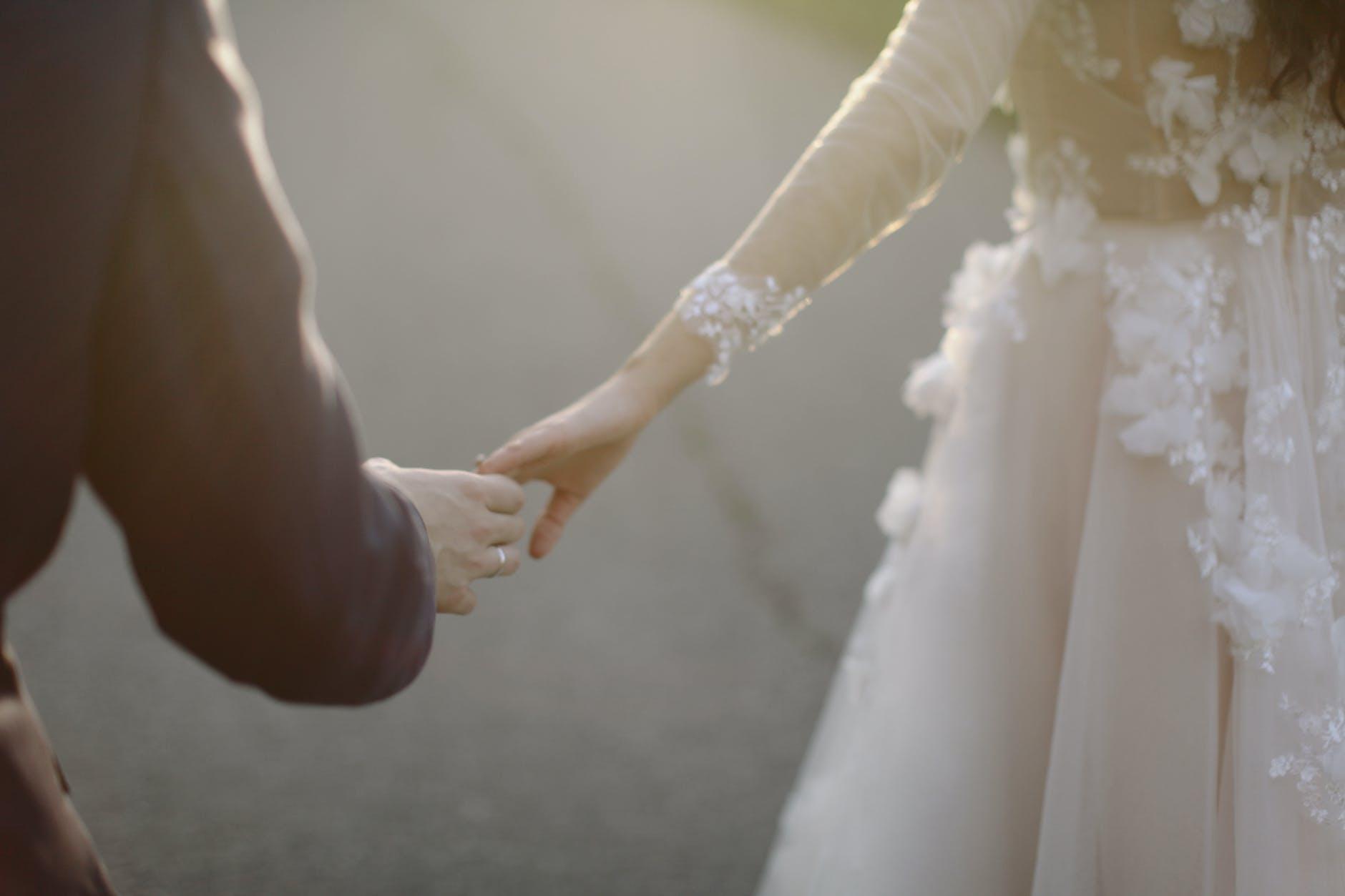 Ucapan pernikahan untuk sahabat, keluarga dan berkesan.