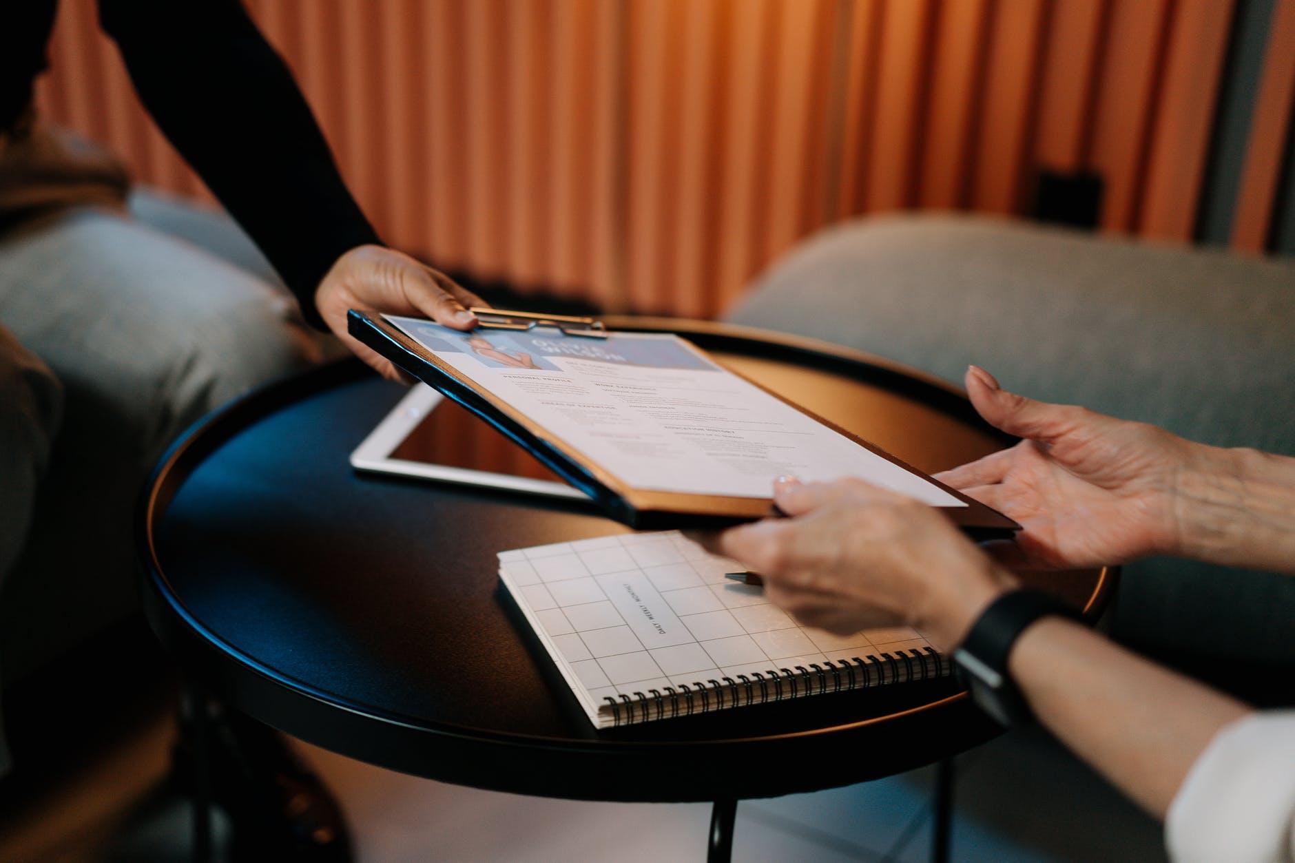 cara membuat CV gratis dan bagus pakai aplikasi online.