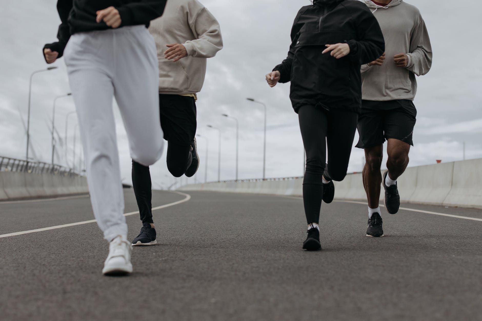Mengenal perbedaan antara jalan dengan lari